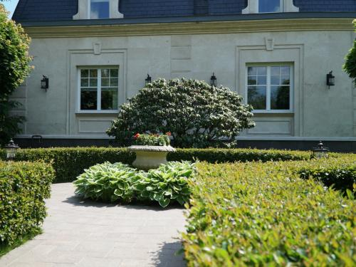Регулярный сад, частное владение 25 соток, Горки-10