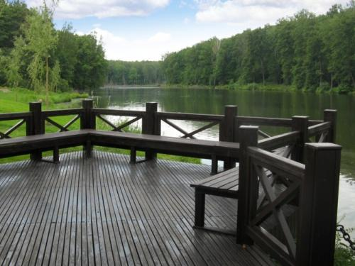 Зона отдыха на берегу озера. Частное владение, 40 соток.